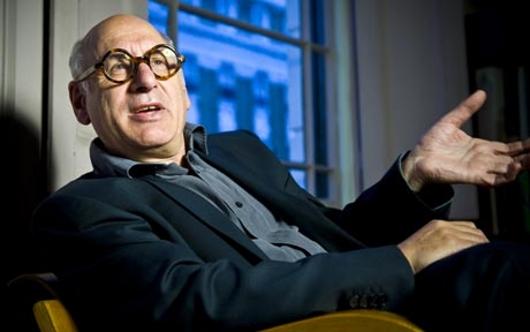 Michael Nyman - wygląda jak profesor i podobnie mówi